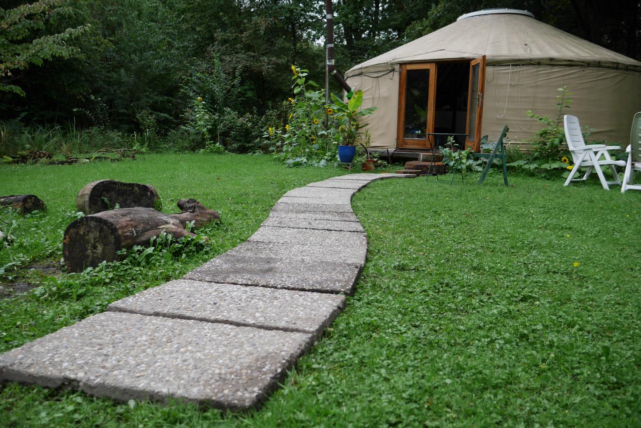 ecodorp yurt